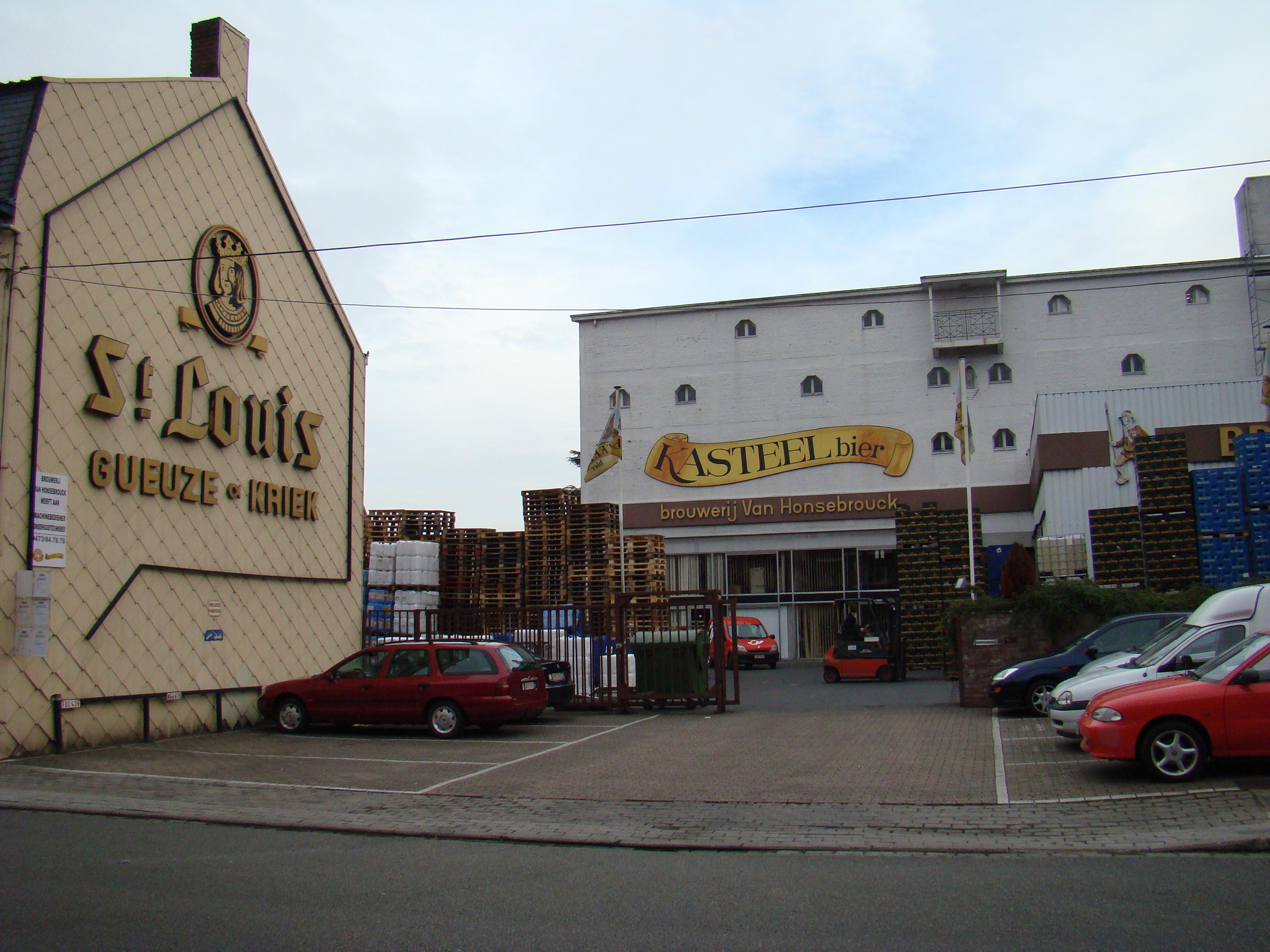 Van Honsebrouck Brewery (Photo: Wikimedia)