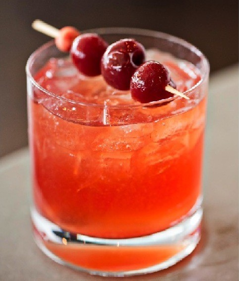 DC Coast's District Cherry Old Fashioned as well as a house-made cherry blossom tea. (Photo: DC Coast)