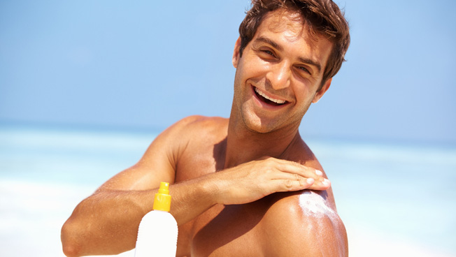 To prevent wrinkles, protect your skin from the sun (Photo: Shutterstock)