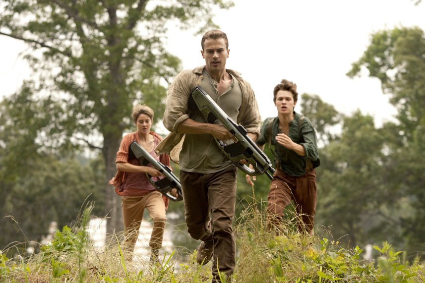 """Shailene Woodley (left to right),  Theo James and Ansel Elgort in """"Insurgent."""" (Photo: Lionsgate Entertainment)"""