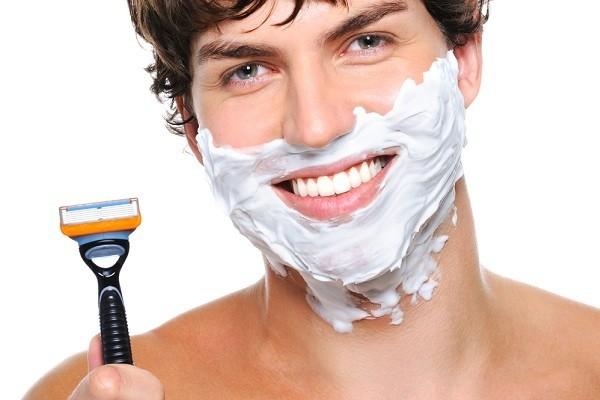 Shaving can both exfoliate and irritate the skin (Photo: Kamisori Otoko)