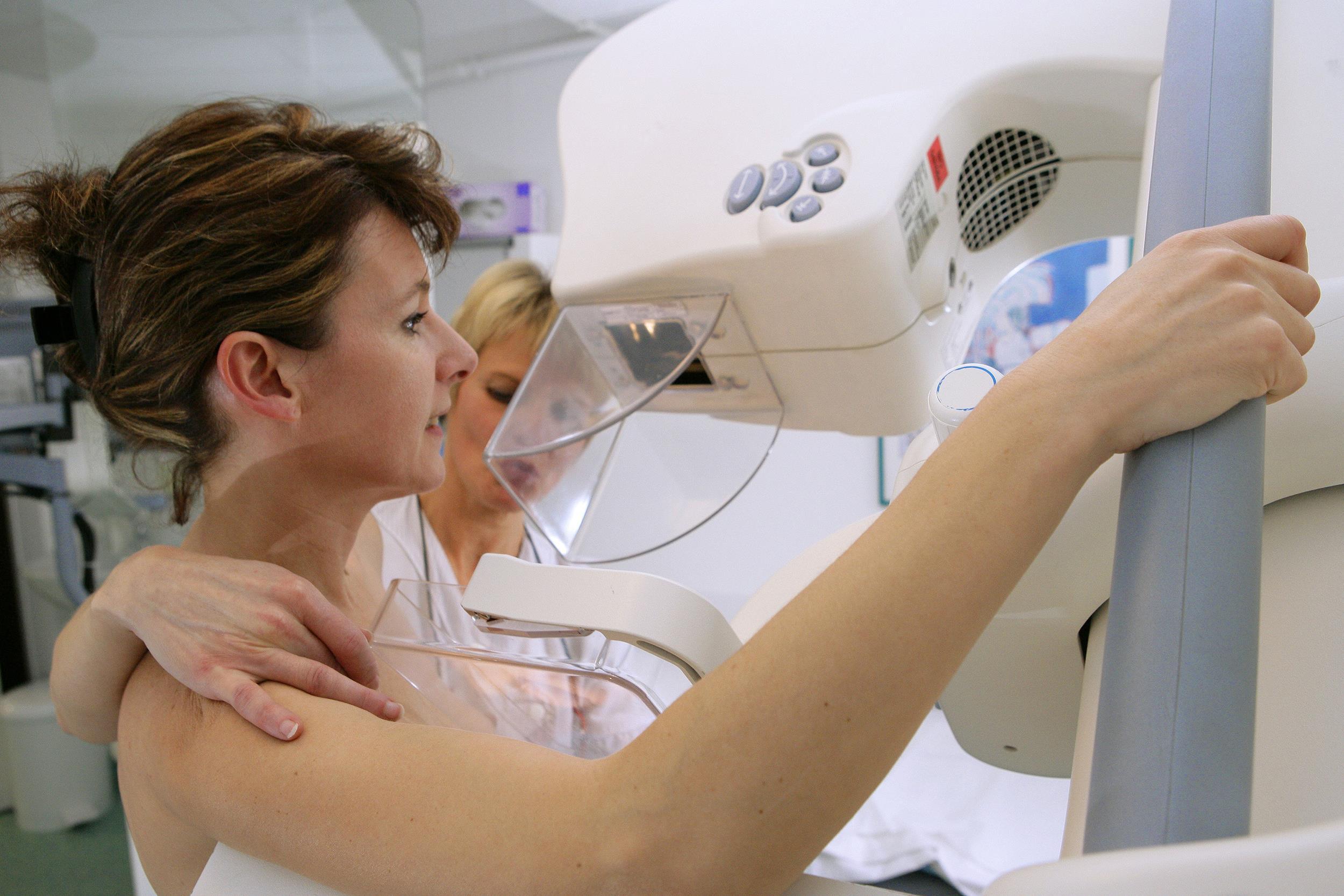 Странный осмотр гинеколога 16 фотография