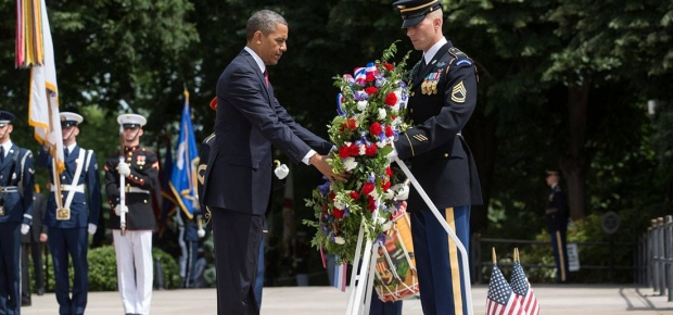 Preisdent Obama lays a wreath at the Tomb of the Unknown Soldier during the 2014 Memorial Day ceremony. (Photo: Lawrence Jackson/White House)