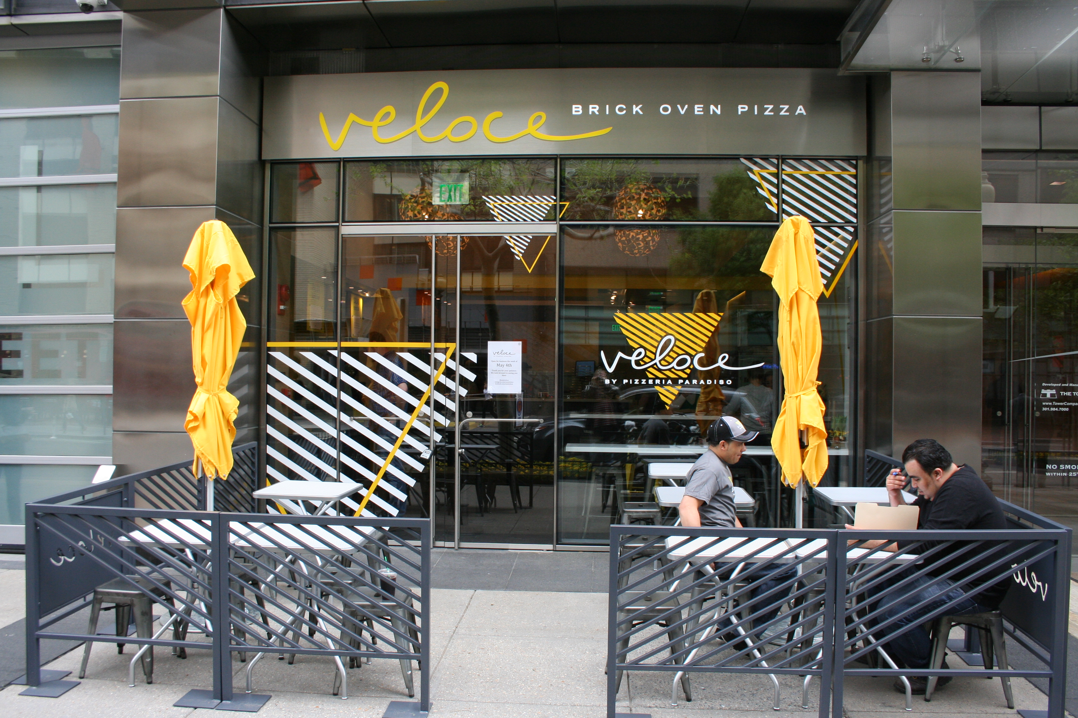 Veloce by Pizzeria Paradiso opens today near Farragut Square. (Photo: Mark Heckathorn/DC on Heels)