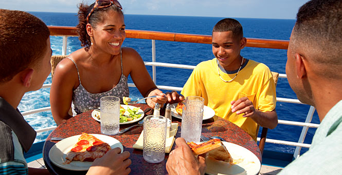Casual dress is appropriate for lunch or buffet dining. (Photo: Carnival Cruise Lines)