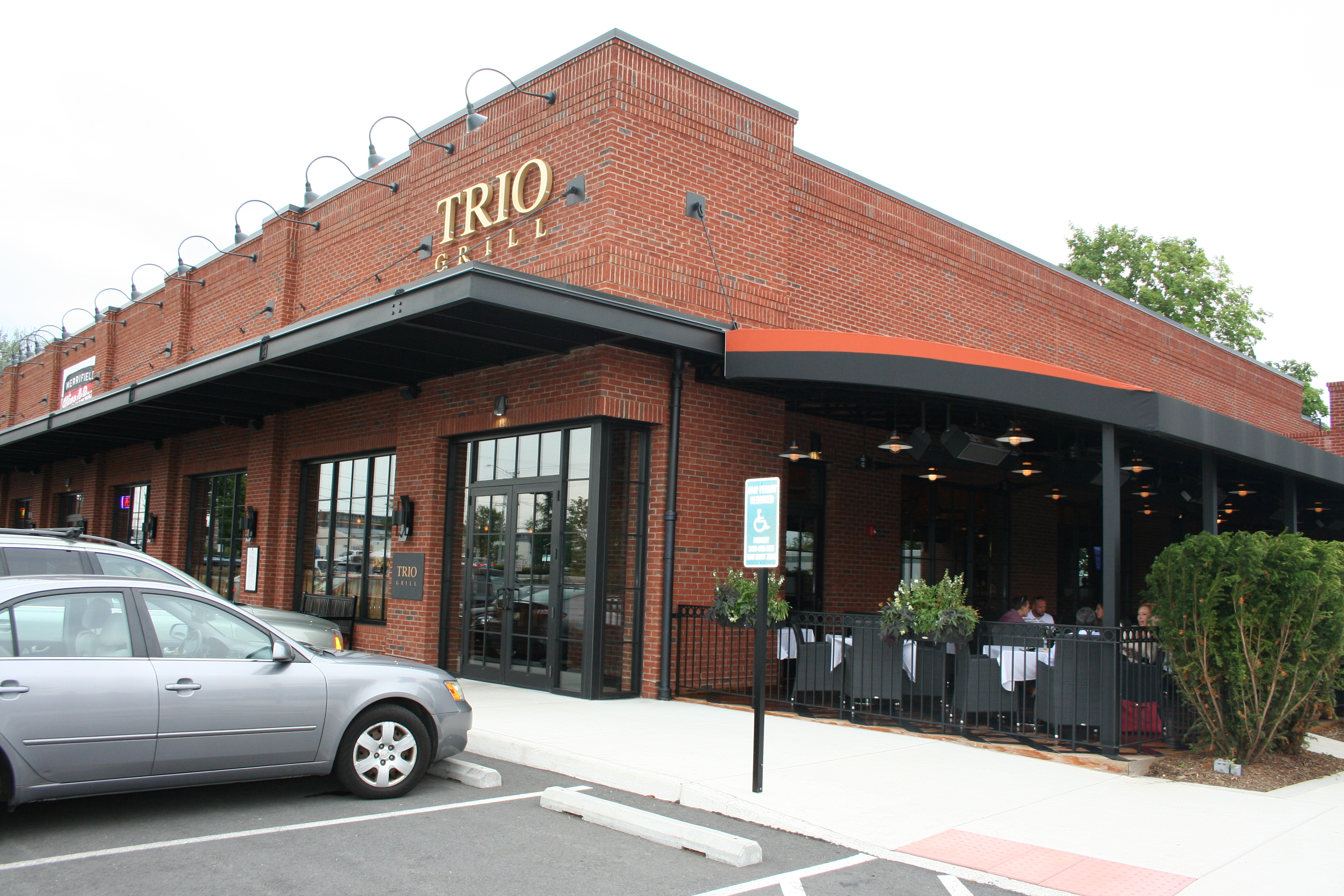 Trio Grill in Merrifield has a new happy hour menu with $7 appetizers. (Photo: Mark Heckathorn/DC on Heels)
