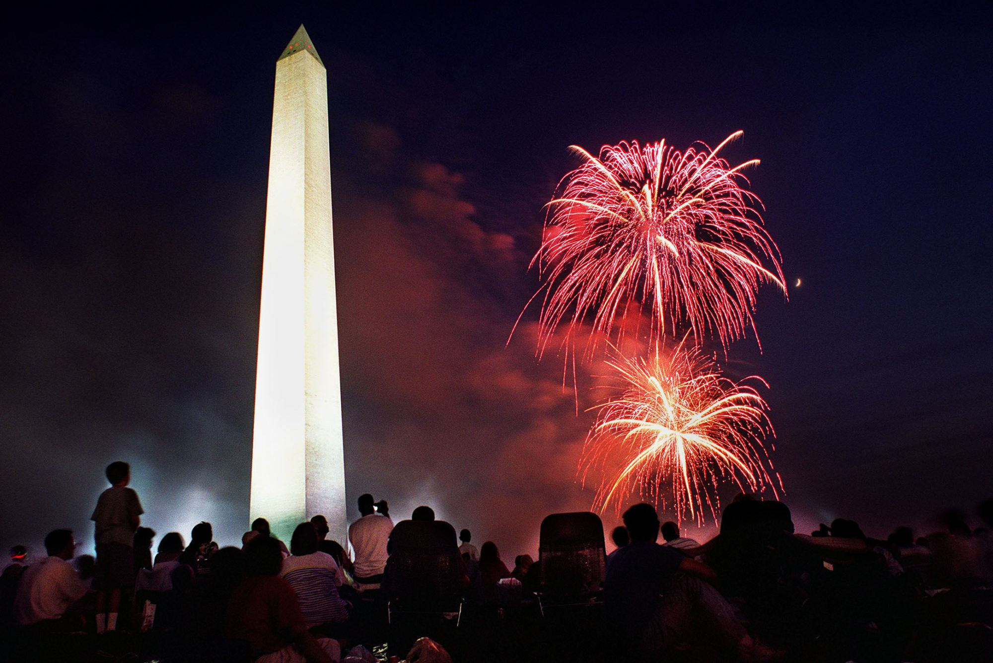 If you head to the National Mall for the fireworks, take along some of these special deals. (Photo: Shwn Thew/AFP/Getty Images)