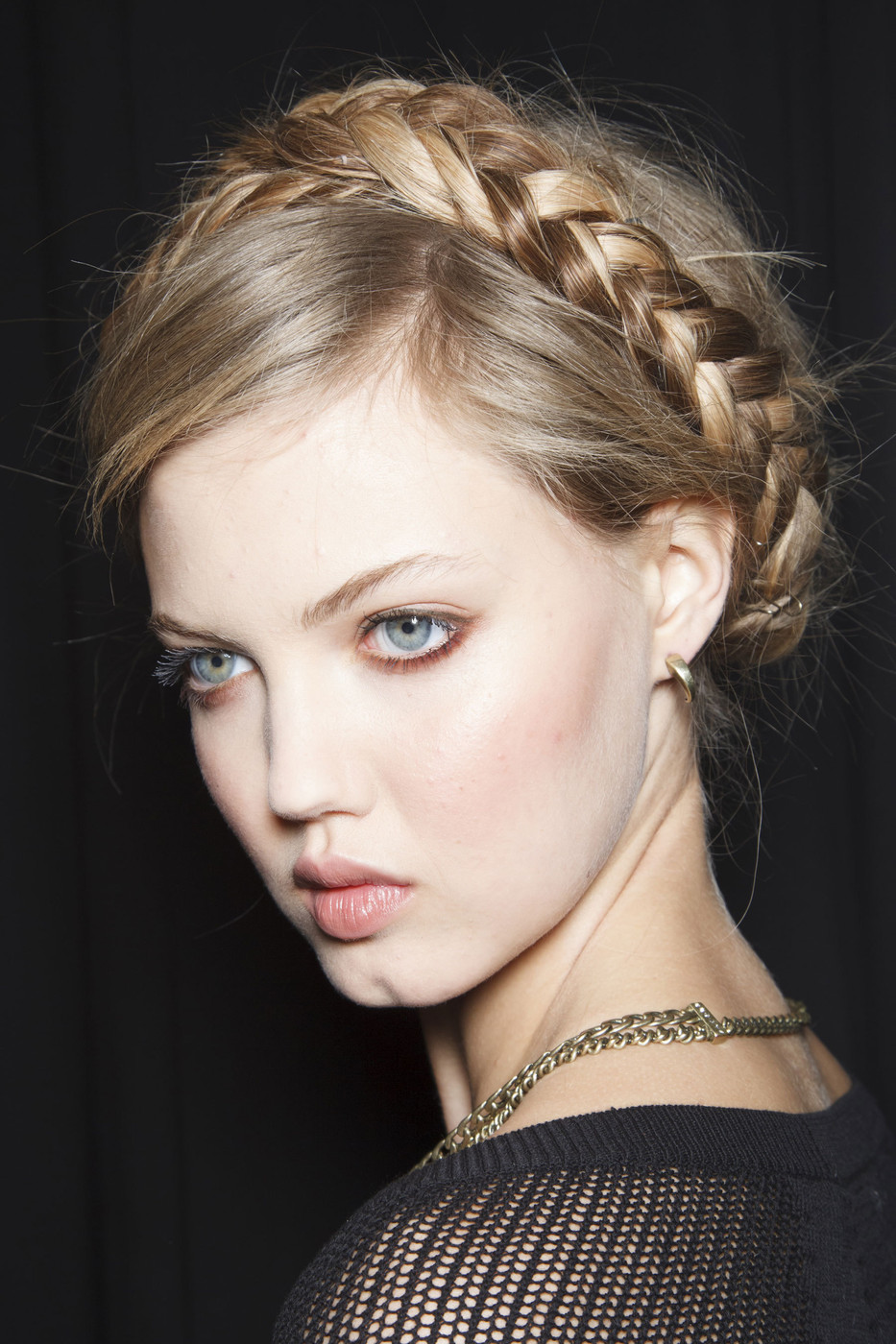 A milkmaid braid gives you a festive yet casual look that's perfect for Independence Day celebrations (Photo: Imaxtree)