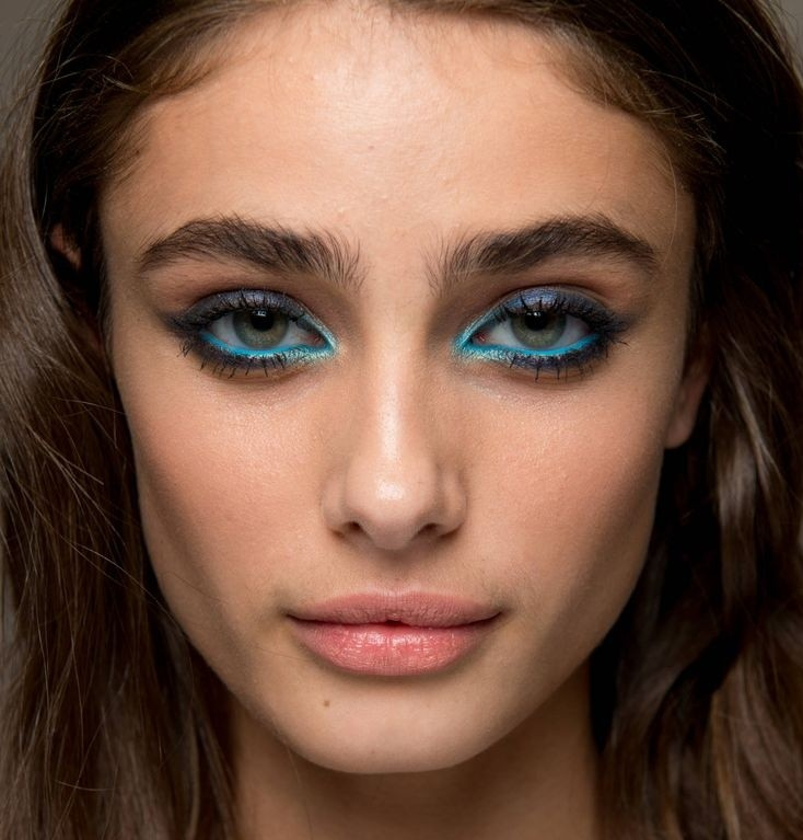 This Seasons Hottest Eye Makeup Trend Dc On Heels