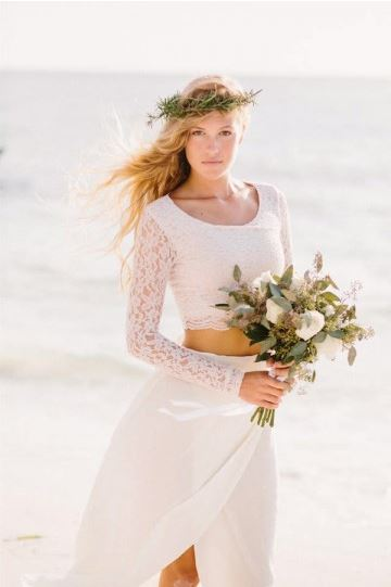 Beach weddings call for a less formal gown. (Photo: JVsDress)