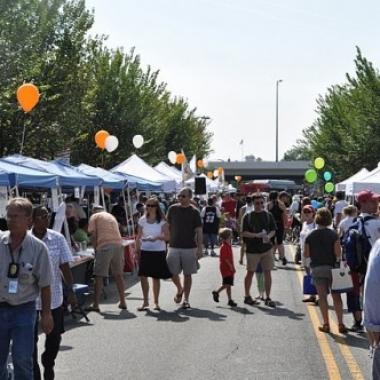The Barraks Row Fall Festival takes over Eighth Street SE on Saturday. (Photo: Popville)
