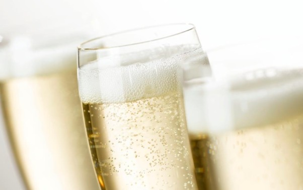 Macon Bistro & Larder is serving three Cremants and three Champagnes for the holidays. (Photo: quito.com)
