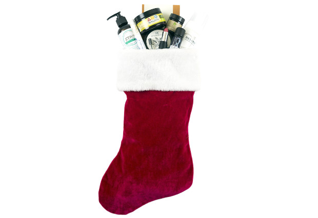 A beauty box subscription is the perfect holiday gift for the beauty enthusiast on your list (Photo: Vegan Cuts)