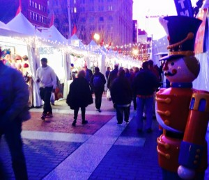 Shoppers browse gifts at the Downtown Holiday Market outside the National Portrait Gallery. (Photo: Downtown Holiday Market/Facebook)