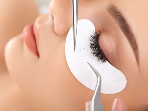 Doctors recommend using mascara instead of dyes to enhance your eyelashes. (Photo: Adonia Dennis)