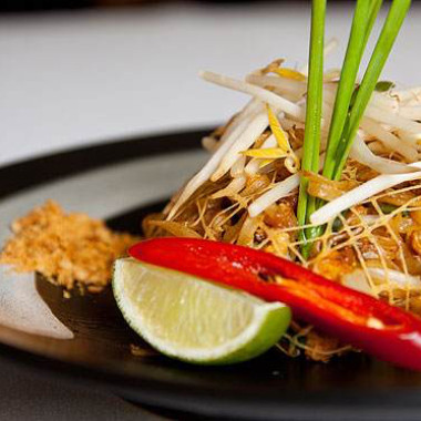Monday means bottomless vegetable or chicken pad thai at Mango Tree in CityCenterDC. (Photo: Mango Tree)