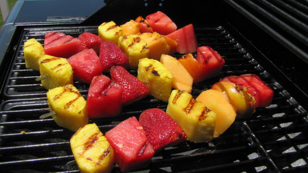 Grilled fruit kabobs not only taste great but are great for you. (Photo: Rodale)