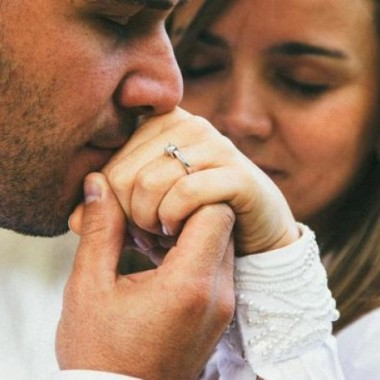Promise rings are a big step in a relationship. (Photo: www.inaxxs.com)