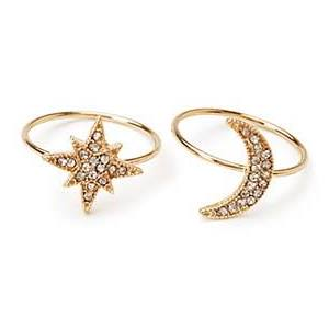 Moon and star friendship rings will remind you of each other every time you look at them. (Photo: Forever 21)