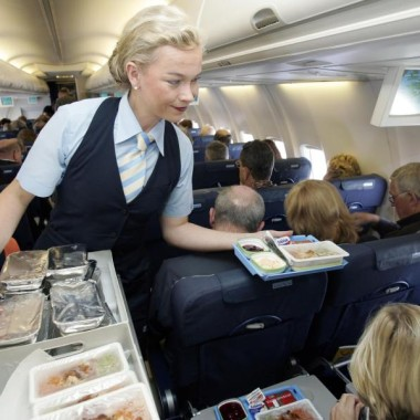 A recent study ranked the food served on the 12 major U.S. carriers, and Virgin America came out on top. (Photo: Alamy)