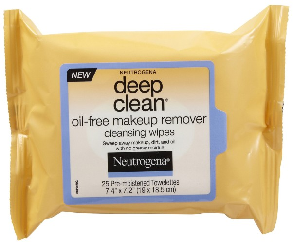 Use Neutrogena Deep Clean Oil-Free Makeup Remover Cleansing Wipes to take off your makeup at the end of the day. (Photo:  Soap.com)