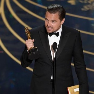 Leonardo DiCaprio accepts his best actor Oscar. (Photo: Chris Pizzello/Invision/AP)