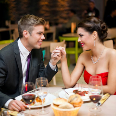 Many area restaurants are offering Valentine's Day specials. (Photo; Thinkstock)