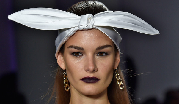 Hair accessories - both big and small - could be seen on the runways at fashion week. (Photo: beautyheaven.com.au)
