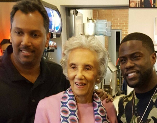 Nizam (left) and Virginia Ali (center) pose with actor Kevin Hart, who visited Ben's Chili Bowl on U Street to film a comedy segment for an upcoming show. (Photo: Ben's Chili Bowl/Facebook)