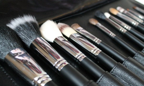 Makeup brushes should be washed regularly to preserve your makeup. (Photo: thetig.com)
