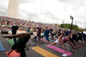 Join hundreds of others for Yoga on the Mall at the Sylvan Theatre by the Washington Monument on Sunday morning. (Photo: D.C. Community of Yoga)