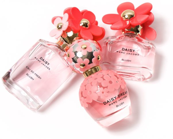 Pick up some floral perfume like Daisy by Marc Jacobs. (Photo: Beautezone.com)