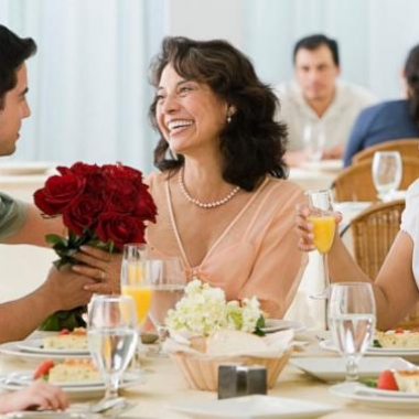 Many restaurants in the DMV are offering brunch and dinner specials for Mother's Day. (Photo: Getty Images)