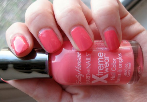 Coral shades like this Sally Hansen polish are bright and perfect for spring. (Photo: simplyautumn.blogspot.com)