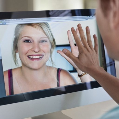 Seeing a long distance lover makes all the difference. (Photo: Getty Images)