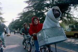 Rossyln Cinema shows <em>E.T. the Extra-Terrestrial</em> free tonight at Gateway Park beginning at dusk. (Photo: Universal Pictures)