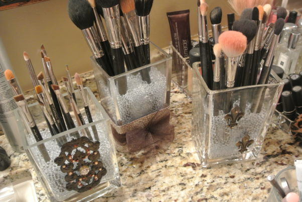 Use vases to store makeup brushes. (Photo: loveleighbeauty.wordpress.com)