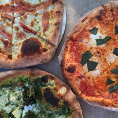 "The restaurant will serve the same 12-inch 12-inch ""Neapolitan-ish"" pies the mobile oven does. (Photo: Timber Pizza/Facebook)"