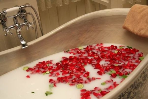 Relax in a hot bath for an hour or so. (Photo: Shutterstock)