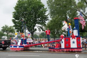 The National Independence Day Parade features floats, balloons and band. (Photo: National Independence Day Parade)