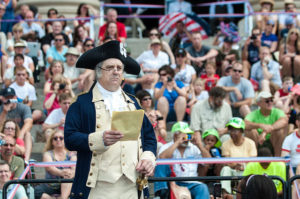 Gen. George Washington reads from the Declaration of Independence. (Photo: Chuck Fazio/National Archives)