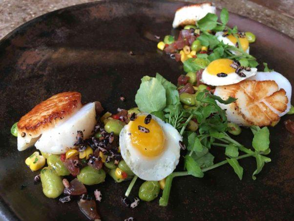 Vinoteca's new summer menu includes scallops with edemame succotash. (Photo: Vinoteca)
