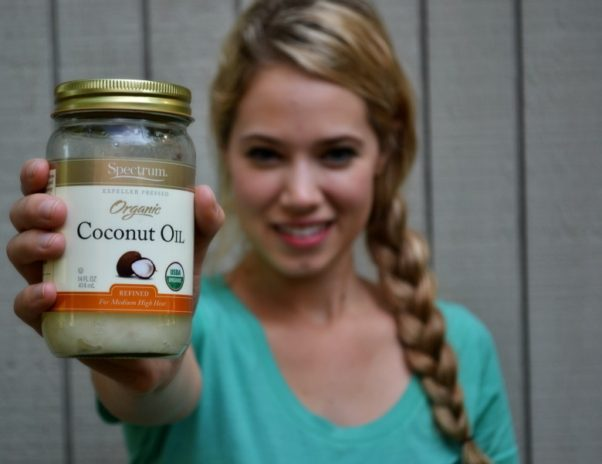 Coconut oil is great for many beauty uses. (Photo: thirdmonk.net)