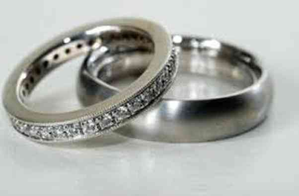 Wedding rings are available in many different metals. (Photo: Dreamstime)