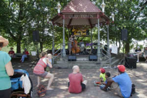 The After Hours Jazz Duo performs in the Takoma Park gazebo during the 2015 Takoma Park Jazz Fest. (Photo: smata2/Flickr)