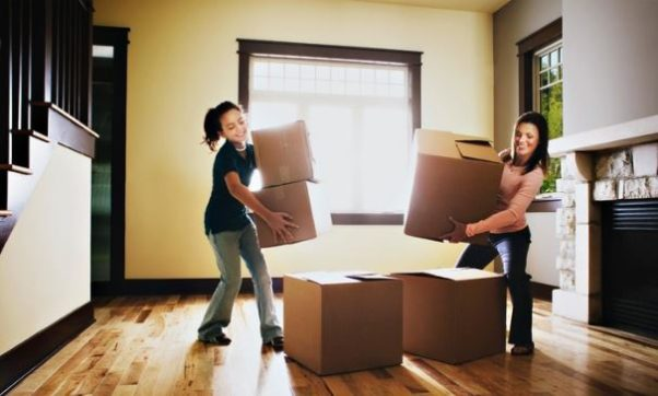 When moving, it is important to choose a reputable moving company. (Photo: movers.best)