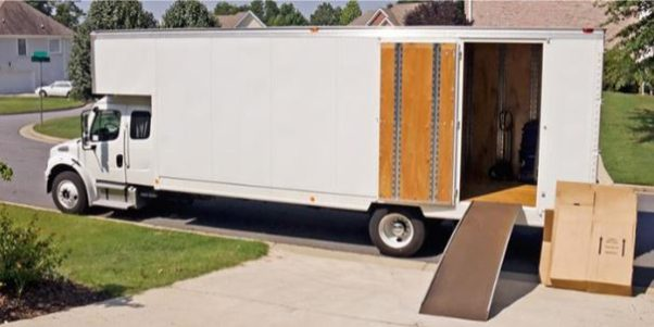 There are many factors to consider when choosing a moving company. (Photo: movers.best)