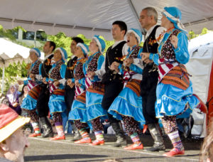 Dancers perform at the Turkish Festival on Pennsylvania Avenue. (Photo: Jonathan LC/Flickr)