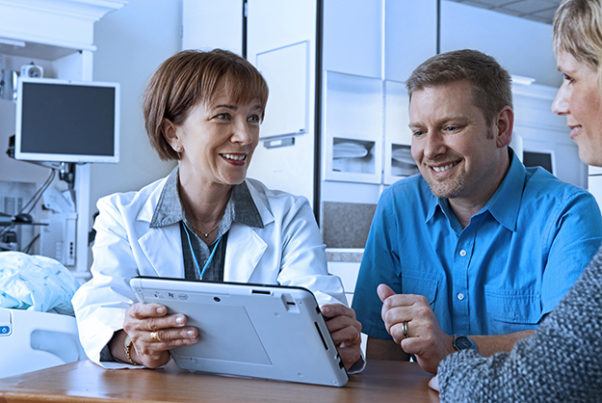 It is important to review your electronic medical records with your doctor. (Photo: PFSK)