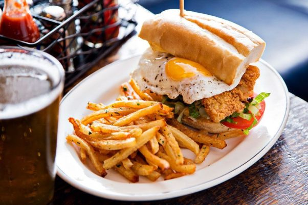 Brunch at Pearl Diver Oyster Bar includes a catfish po boy. (Photo: Scott Suchman)